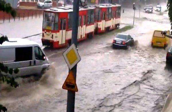 """""""Wodny skandal"""". Gdańsk jest regularnie zatapiany od lat. Kto za to odpowiada?"""