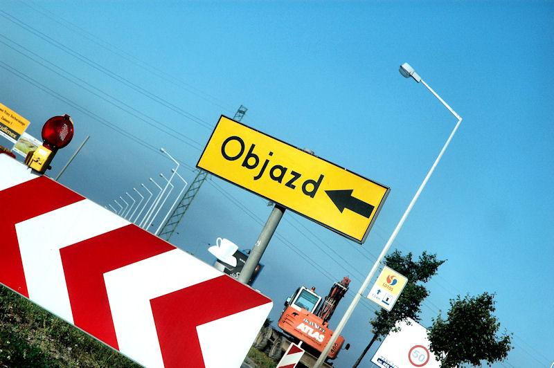 """""""Stop absurdom drogowym"""" - czy to już koniec złego oznakowania dróg?"""