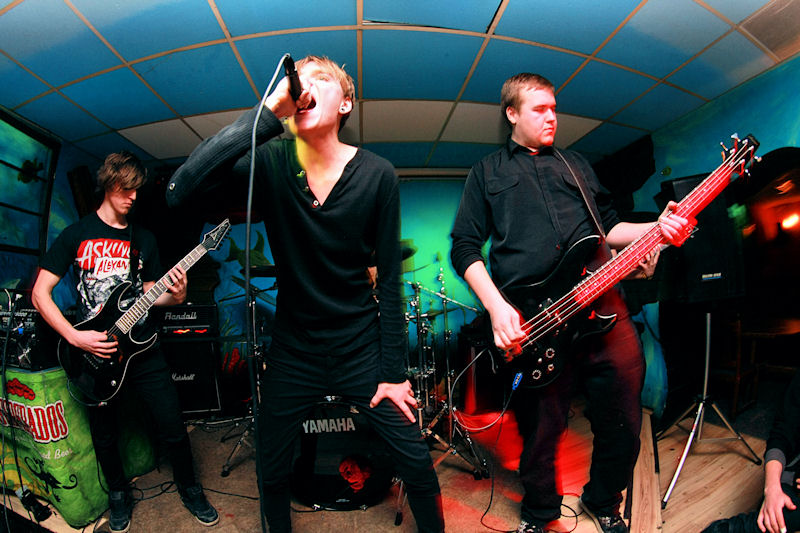 Zespoły wystąpiły w gdańskim klubie Infinium.