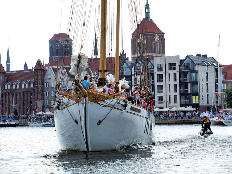 W Gdańsku sezon żeglarski już otwarty.