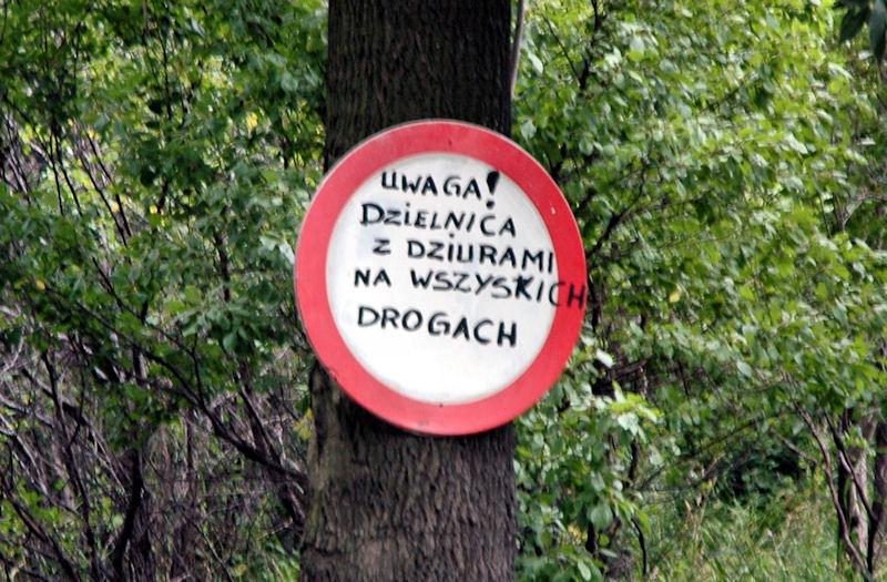 """Obywatele Gdańska się buntują. """"Dzielnica z dziurami na wszystkich drogach"""""""