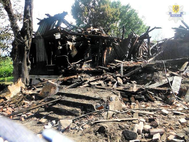 Nowy Dwór Gdański: Czy celowo podpalił dom z kilkunastoma osobami w środku?