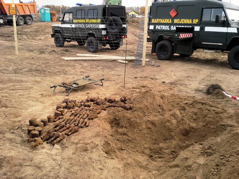 Arsenał na placu budowy w Kosakowie