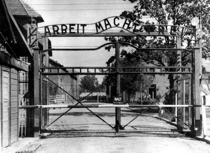 Nazistowskie zbrodnie: śledztwo przeciwko trzem strażnikom z obozu koncentracyjnego w Oświęcimiu