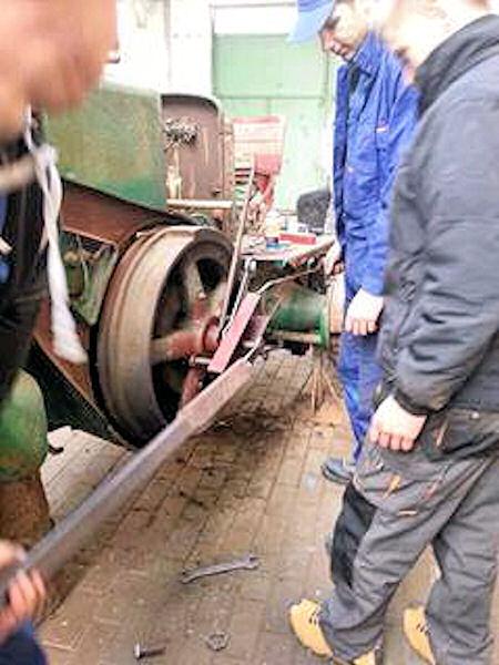 Zabytkowy Ursus - w trakcie remontu