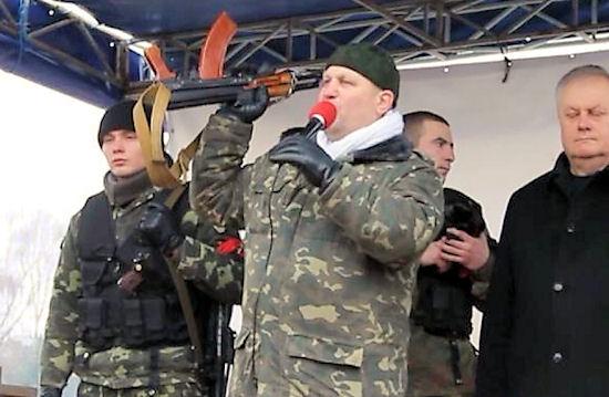 Ujawniono niecodzienne skłonności jednego z działaczy Majdanu. Jest sadomasochistą! [18+]