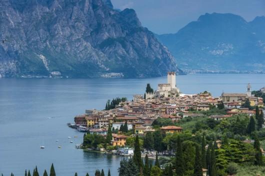 Jezioro Garda: Okazało się, że na głębokości 100 metrów włoska policja znalazła plastikowe pudełko ze zwłokami Giacomini