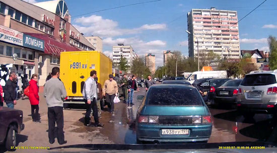Faceci w Audi kontra faceci w Ładzie...